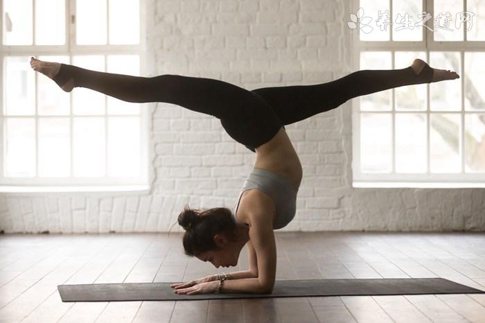 提臀运动方式推荐,深蹲可促进血液循环