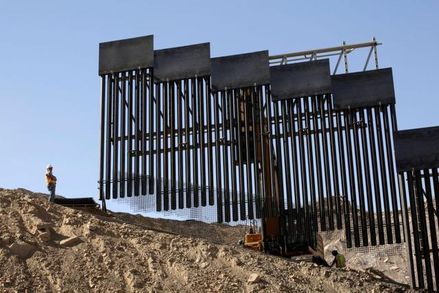 特朗普粉丝欲建私人边境墙,遭法院叫停:威胁濒危蝴蝶