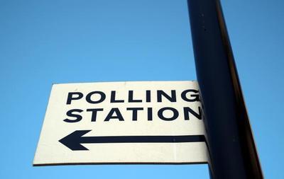 刚刚,英国议会下院选举开始投票