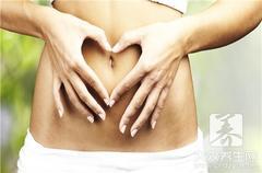 女性肚子两侧隐隐作痛:有可能是盆腔炎