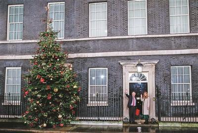 英国首相赌赢了!