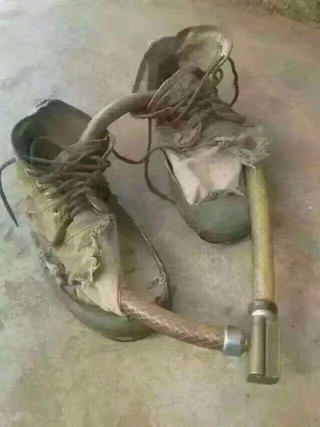 这双鞋子锁不住这把锁