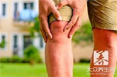 风湿性关节炎的治疗方法:可以采用热熨和热敷