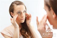 专业割双眼皮手术注意事项:术后5~7天拆线