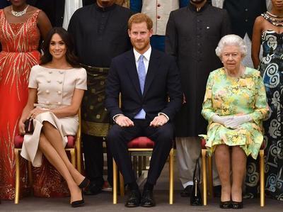 英国女王刚刚发表了一份关于哈里王子和梅根·马克尔的个人声明