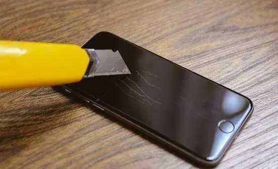 研发人员的困惑:现在的手机根本不用贴膜啊!