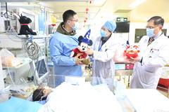 大年初一,儿科医院住院患儿收到一份特别的新年礼物!新的一年,愿你们平安喜乐