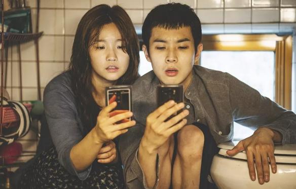 韩国航空公司禁播《寄生虫》性挑逗或引起乘客不适!
