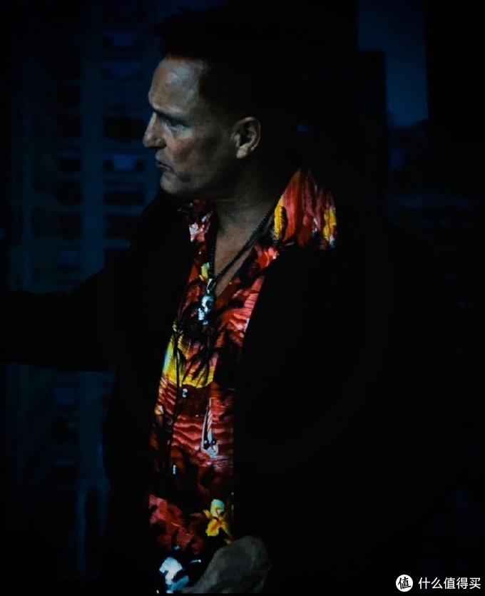 """《毒液2》大反派定妆照亮相,伍迪·哈里森饰演的""""屠杀""""帮派范十足"""