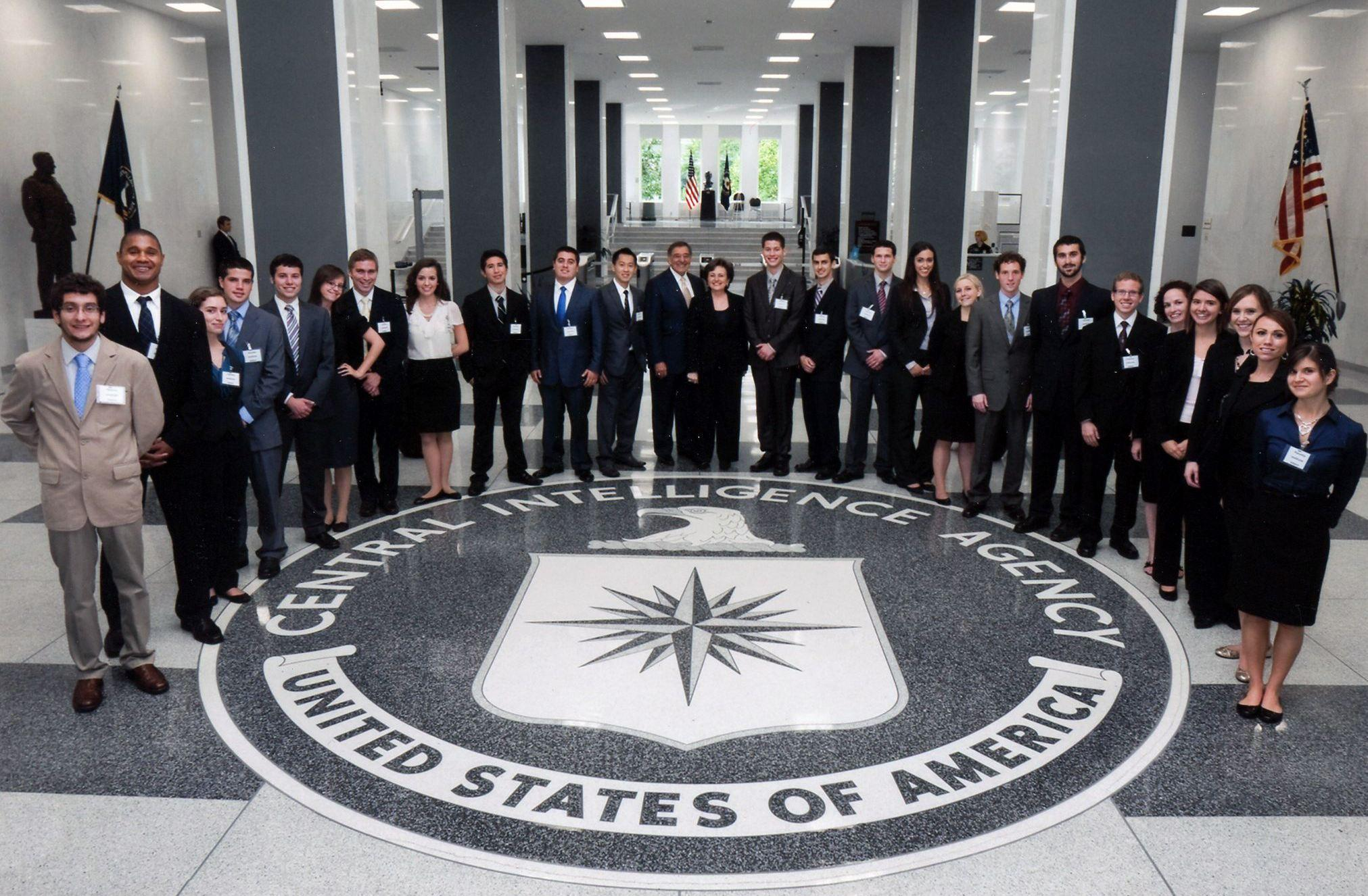 海外网评:CIA再爆窃密丑闻,美国欠世界一个说法