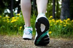 快走,有助于防止大脑老化是真的吗?长时间快走对膝关节损伤大吗
