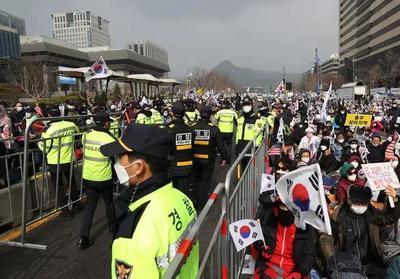 确诊602人!韩媒称疫情呈全面扩散趋势,首尔街头一幕令人崩溃