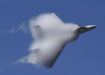 美国牛皮被戳破!声称F22A战机横穿整个南海,岛礁上雷达毫无反应