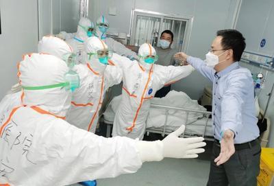 """中国留学生心系抗疫:""""呼吸心跳与你一同"""""""