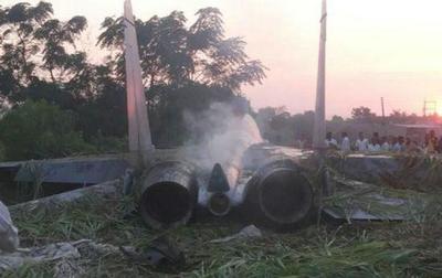 印度军机今年第一摔来了,摔出一个尴尬现实:武器装备还得靠自己