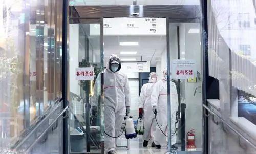 """韩国将对疫情暴发地区采取""""最大程度封锁"""""""