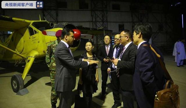 中国专家组抵达巴基斯坦支援共抗蝗灾,带来这几个绝招