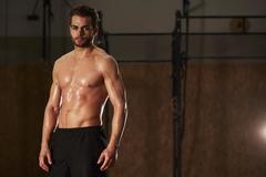一个胖子做有氧运动,一个胖子做力量训练,最后身材有什么差别?