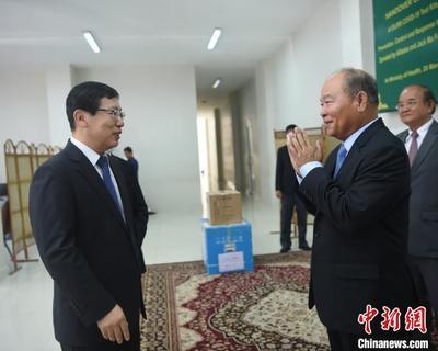 """""""马云基金会""""向 柬埔寨捐赠20000套新冠病毒检测试剂盒"""
