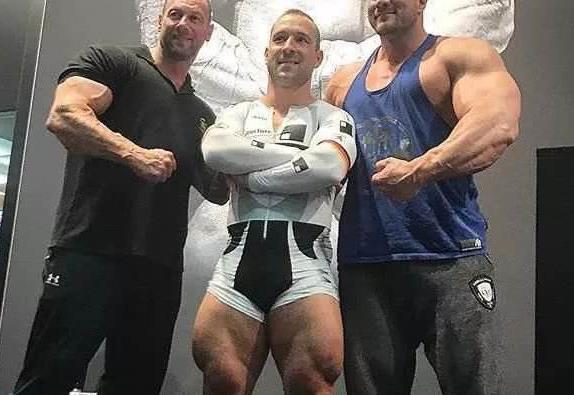 经常健身的男人,身体的这4个地方往往和常人不同,你都知道吗?
