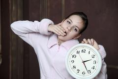 睡眠障碍会出现睡眠时多梦,早晨起床比较困难等