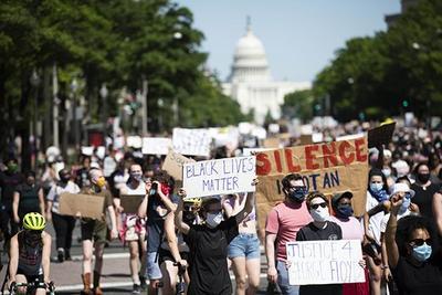 美至少60名特勤受伤 白宫敦促工作人员避免返回白宫