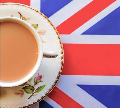 美国女子做了一杯茶的视频,英国网友气得群起而攻之,引发三国演义……