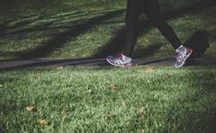 六十岁的人早上走路一小时,晚上饭后走路一小时,对身体有帮助吗?