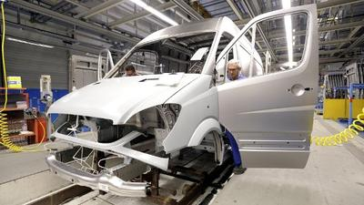 德国奔驰工厂出现新冠肺炎聚集性疫情