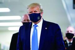 首次公开戴口罩 特朗普称非常棒