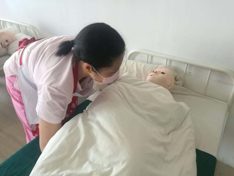 """哪位小菜烧得好?闵行家政技能竞赛今天决出金牌""""闵行阿姨""""!"""