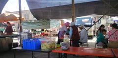 """银川集市上的""""羊肉饸烙面"""",11元一碗,一天卖600碗,吃的人多!"""