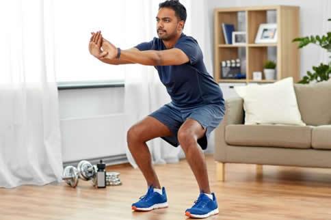 徒手健身计划一周表男士版