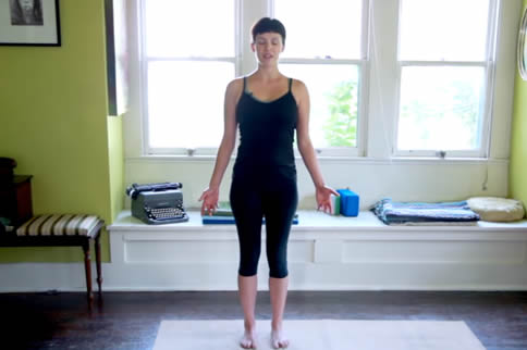 摩天式瑜伽动作步骤讲解