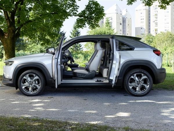 不光只有转子发动机!马自达全新SUV迎巨变:劳斯莱斯同款