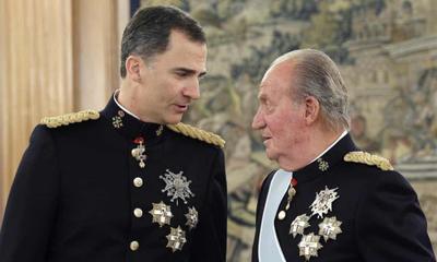 """为了维护西班牙王室形象,丑闻缠身的82岁老国王卡洛斯一世自愿""""流亡"""""""