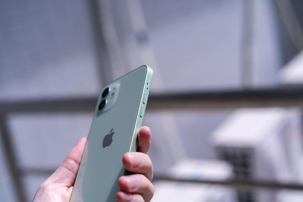 iPhone 12抢先评测:体验提升明显