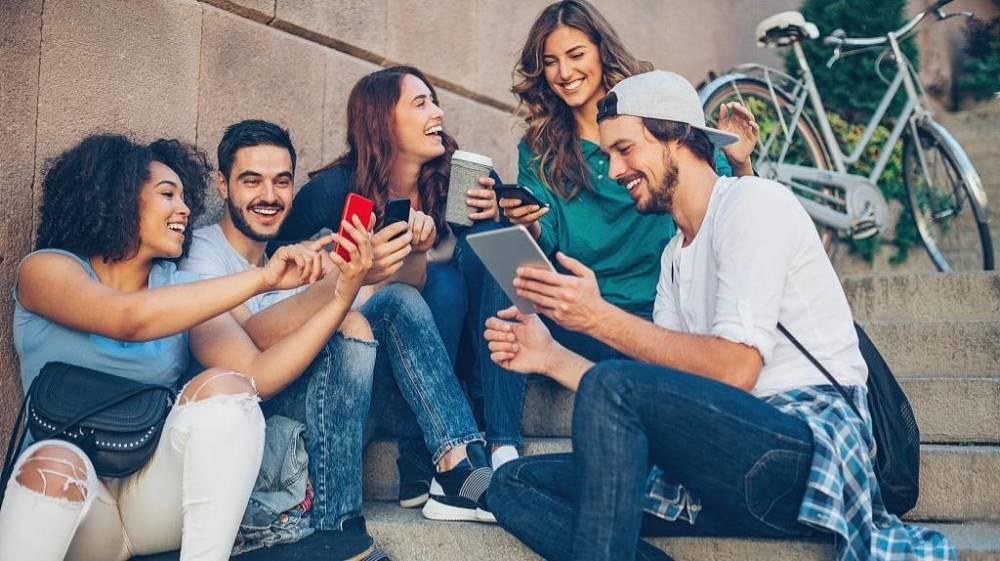 下载涨70倍,没上线估值上亿美金,社交App井喷式爆发