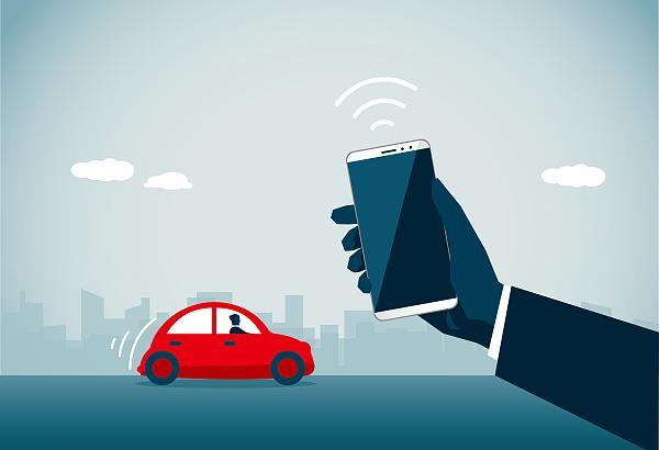 开车聊微信打电话、车内不干净整洁……顺风车乘客评出最介意的十大车内行为