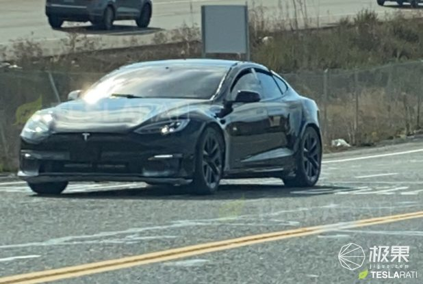 特斯拉新款Model S谍照曝光!车身更宽,外观细节稍有变化